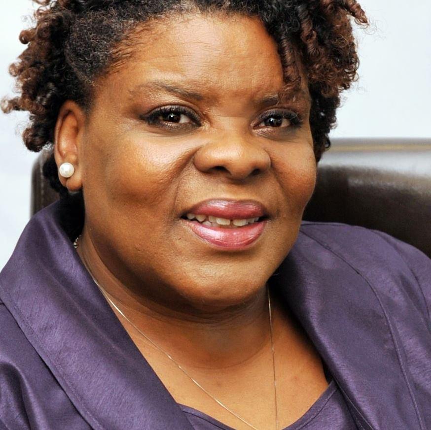 Portrait of Cynthia Garrett. Realtor®