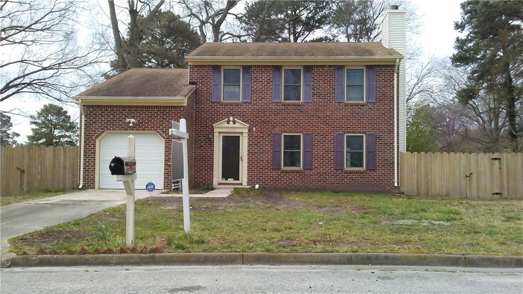 Front of house lcoated at 1008 Oak Bark Ln, Chesapeake VA, 23323