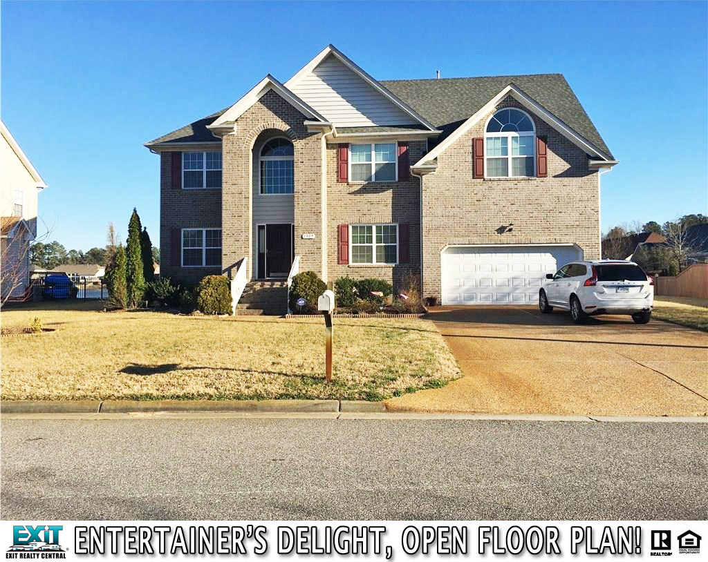 Front of Home located at 1309 Monarch Reach, Chesapeake, VA 23320