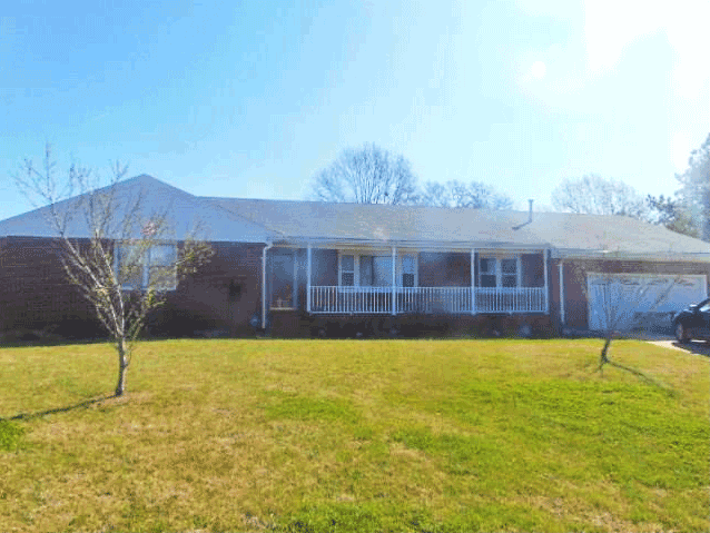 Front of home located at 2223 Rock Creek Dr, Chesapeake Va, 23325