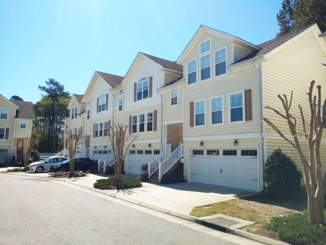 Front of Condo located at 5541 Taylors Walke Ln, Virginia Beach, VA 23466