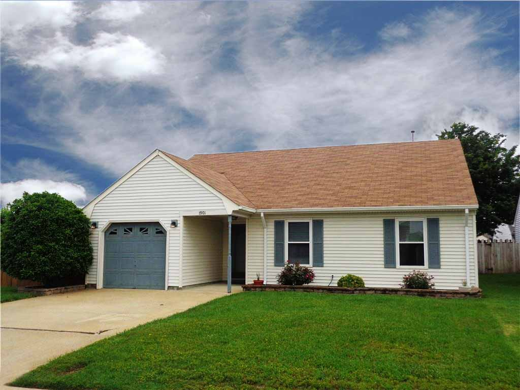 Front of home located at 1901 Clovis Court, Virginia Beach Va, 23454