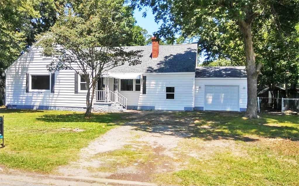 Front of property located at 113 Dahlgren Ave, Portsmouth VA, 23702