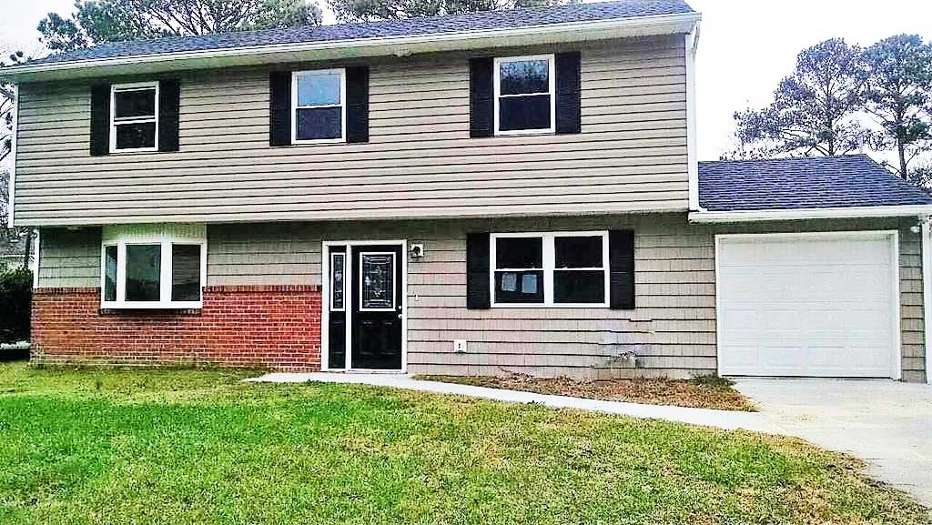 Front of house located at 6028 Lockamy Ln, Norfolk, VA 23502
