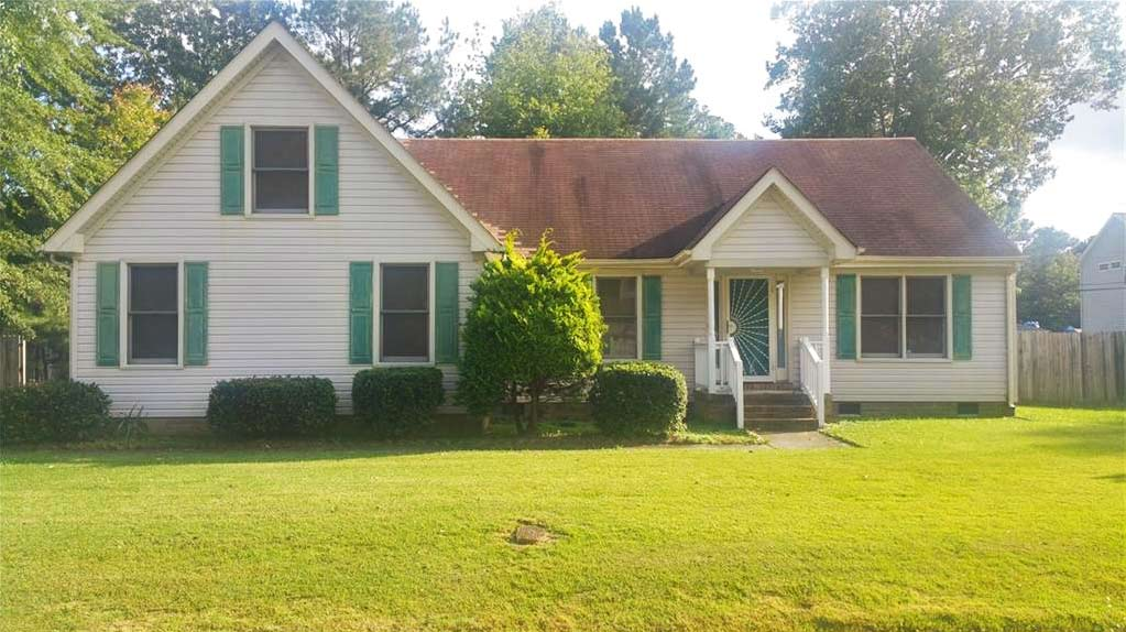 Front of home located at 4401 Hubbard Ave, Suffolk, VA 23435