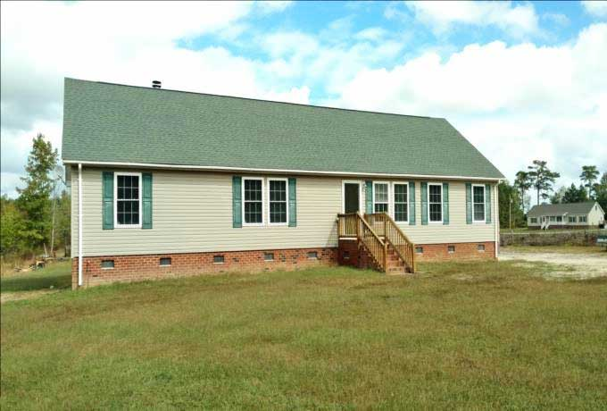 Front of house located at 9 Jillson St, Gates, NC 27937