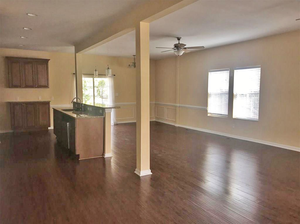 Family Room of 412 W 37th Street, Norfolk VA 23508