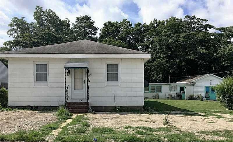Front of property located at 1653 Michigan Avenue Unit#A, Virginia Beach VA 23454