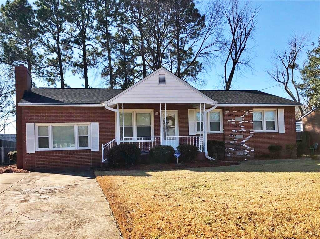 Front of property located at 816 Mains Creek Road, Chesapeake VA 23320