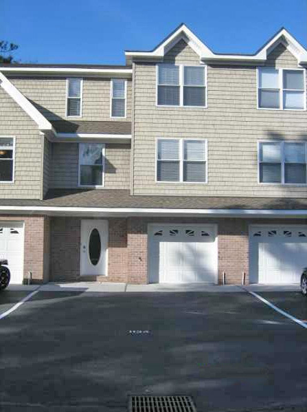 Front of townhome loacted at 1134 Arlynn Lane, Virginia Beach VA 23451