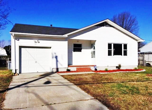 Front of property located at 721 Essex Park Drive, Hampton VA 23669