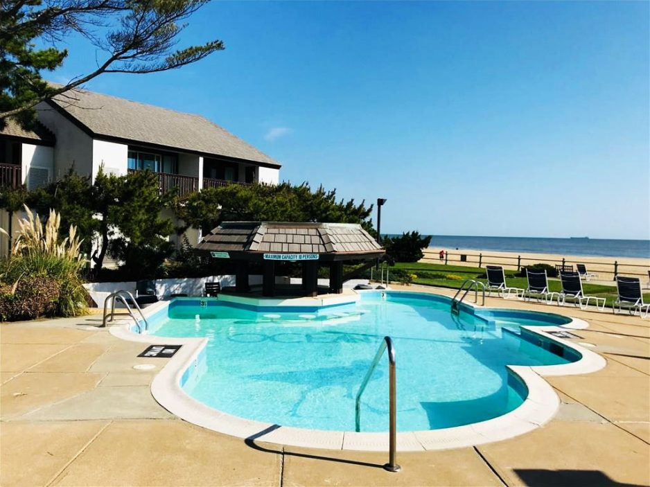Pool located at 4004 Atlantic Avenue Unit 806, Virginia Beach, Virginia 23451