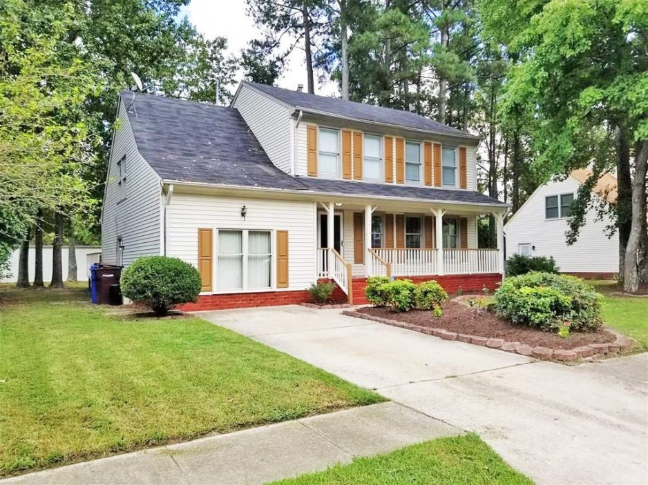 Front of property located at 3513 Bernies Court N, Chesapeake, VA 23321