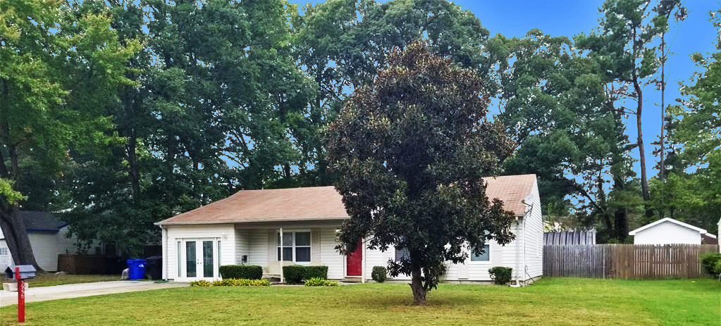 Front of house located at 3950 Old Farm Road, Portsmouth, VA 23703