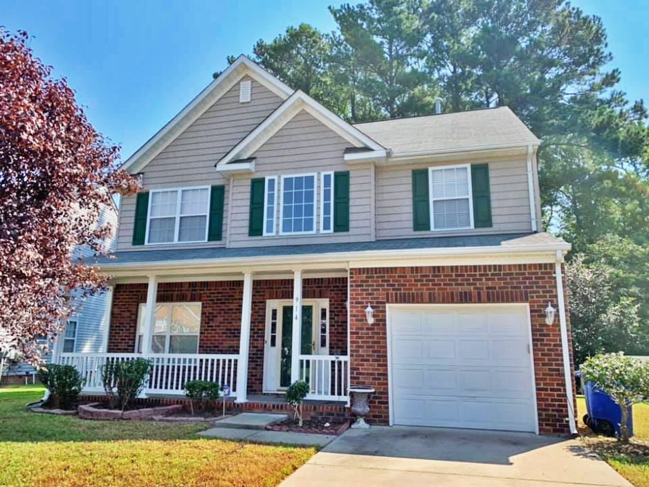 Front of property located at 914 Sparrow Court, Newport News, VA 23608