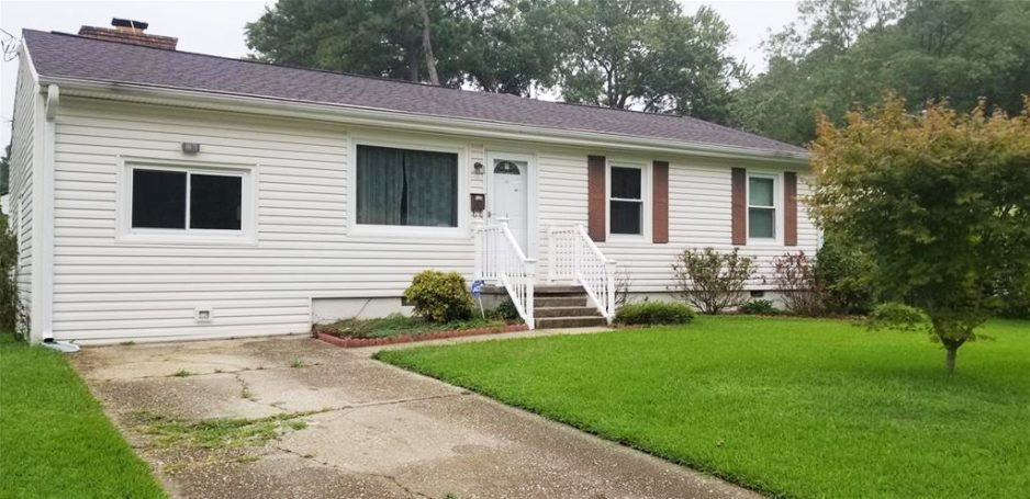 Front of property located at 129 Tazewell Road, Newport News, VA 23608