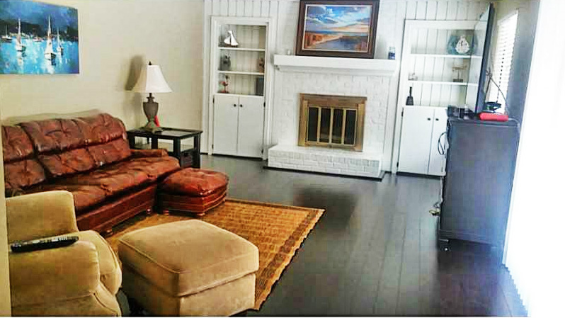 Family Room of property located at 1073 Lands End Way Unit 17C, Virginia Beach, VA 23451