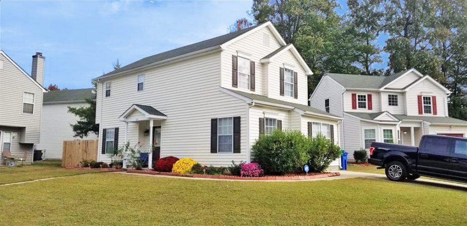Outside of property located at 124 Osprey Way, Newport News, VA 23608