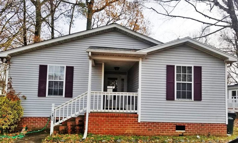Front of property located at 280 Burnetts Way, Suffolk, Virginia 23434