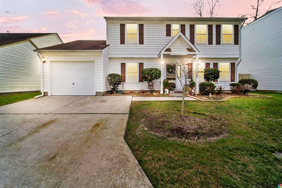 Front of property located at 3105 Guardhouse Circle, Virginia Beach, Virginia 23456
