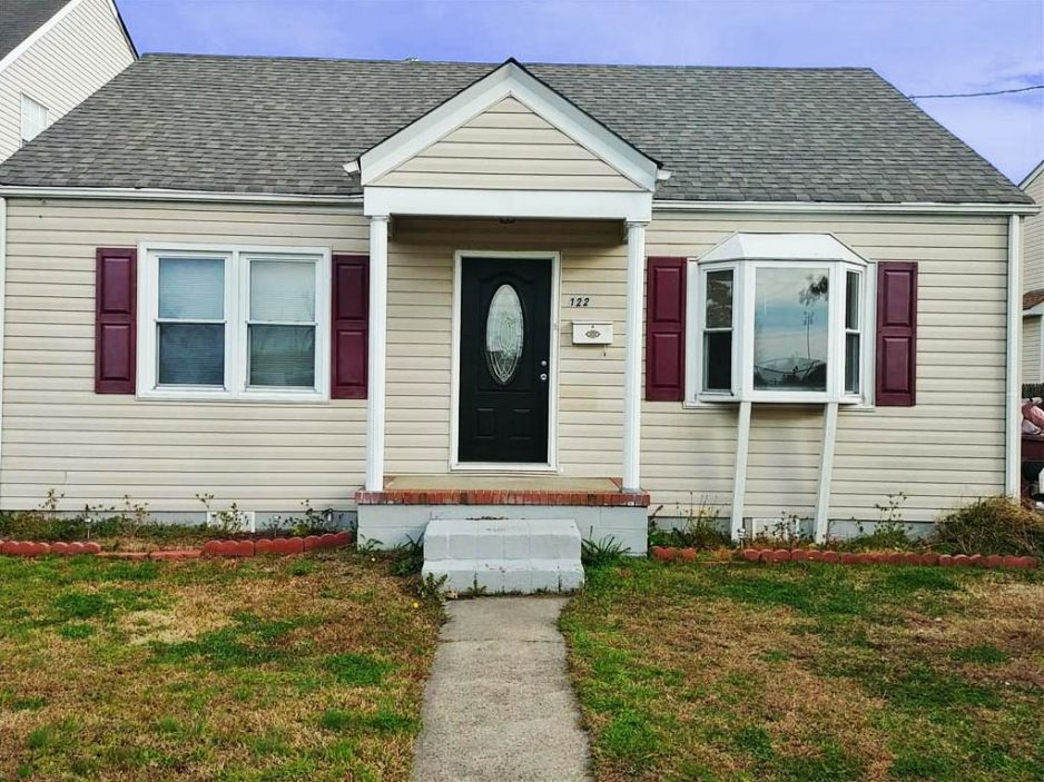 Front of property located at 122 Grant Street, Chesapeake, VA 23320