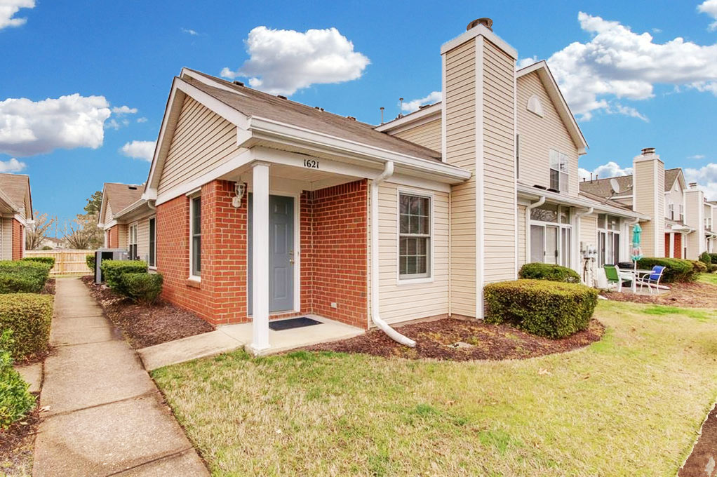 Outside of property located at 1621 Orchard Grove Drive, Chesapeake, VA 23320