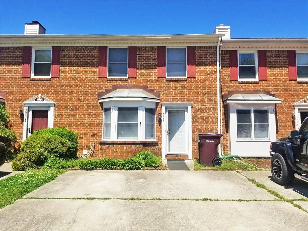 Front of property located at 3332 Golden Oaks Lane, Chesapeake, Virginia 23321
