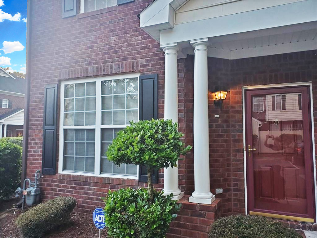 View of front of townhouse located at 5800 Baynebridge Drive, Virginia Beach, VA 23464