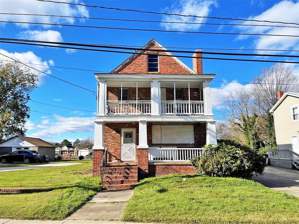 Front of property located at 2551 Tidewater Drive, Norfolk, VA 23504