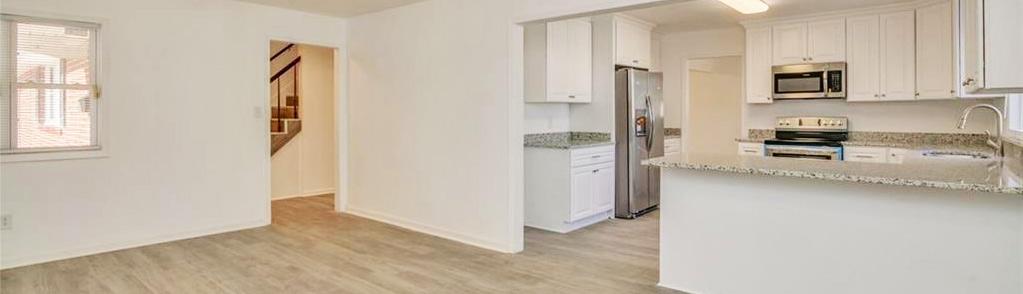 Kitchen & Family room of property located at 128 Big Bethel Road, Hampton, VA 23666