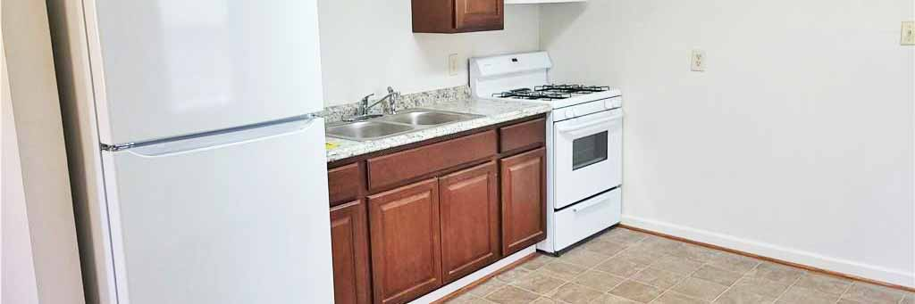 Kitchen of house located at 1928 Kensington Drive, Hampton, VA 23663