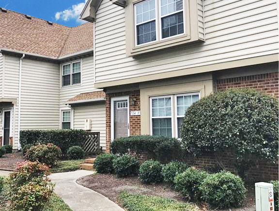 Front of condo located at 704 Nottoway River Court Unit F, Chesapeake, VA 23320