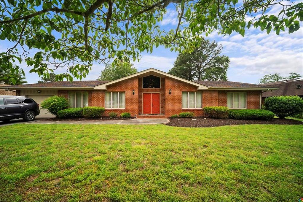 Front of property located at 5568 York Haven Lane, Gloucester, Virginia 23061