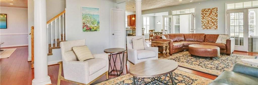 Family room of property located at 5205 Finchley Lane, Virginia Beach, VA 23455