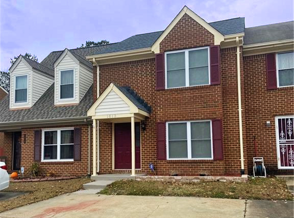 Front of condo located at 1812 Hearthside Court, Chesapeake, VA 23325