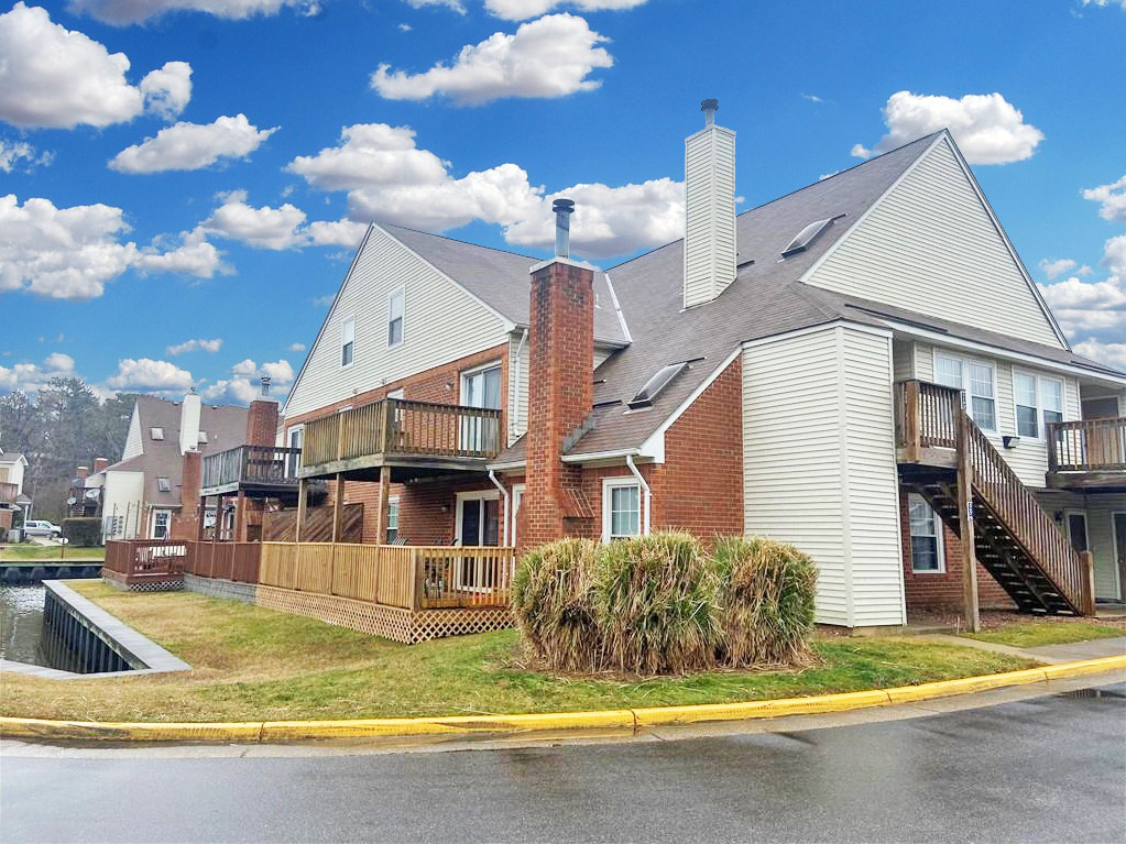 Outside of Condo located at 5192 Walkers Grant Lane, Virginia Beach, VA 23455