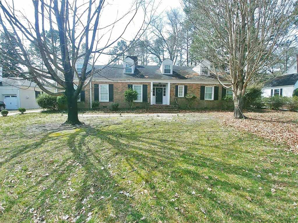 Front of property located at 905 Clay Street, Franklin, Virginia 23851