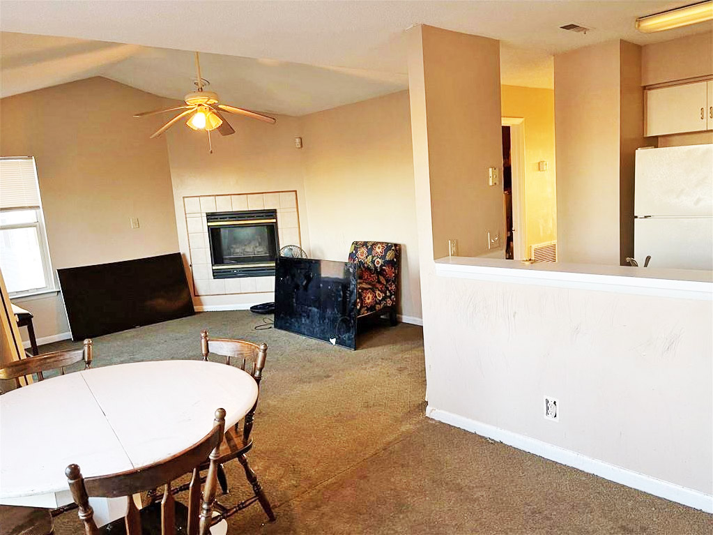 Family Room for 2801 West Avenue Unit #C, Newport News, VA 23607