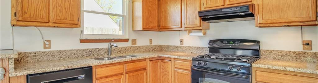 Kitchen at property located at 1720 River Rock Arch, Virginia Beach, Virginia 23456