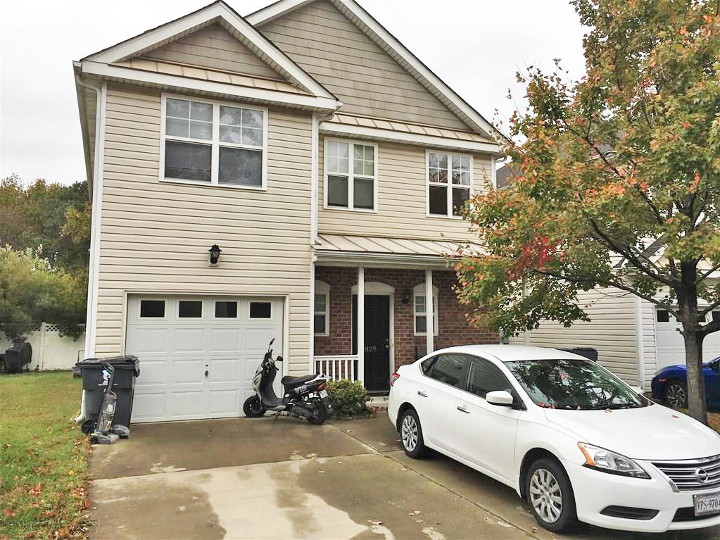 Front of property located at 829 Gem Court, Virginia Beach, Virginia 23462