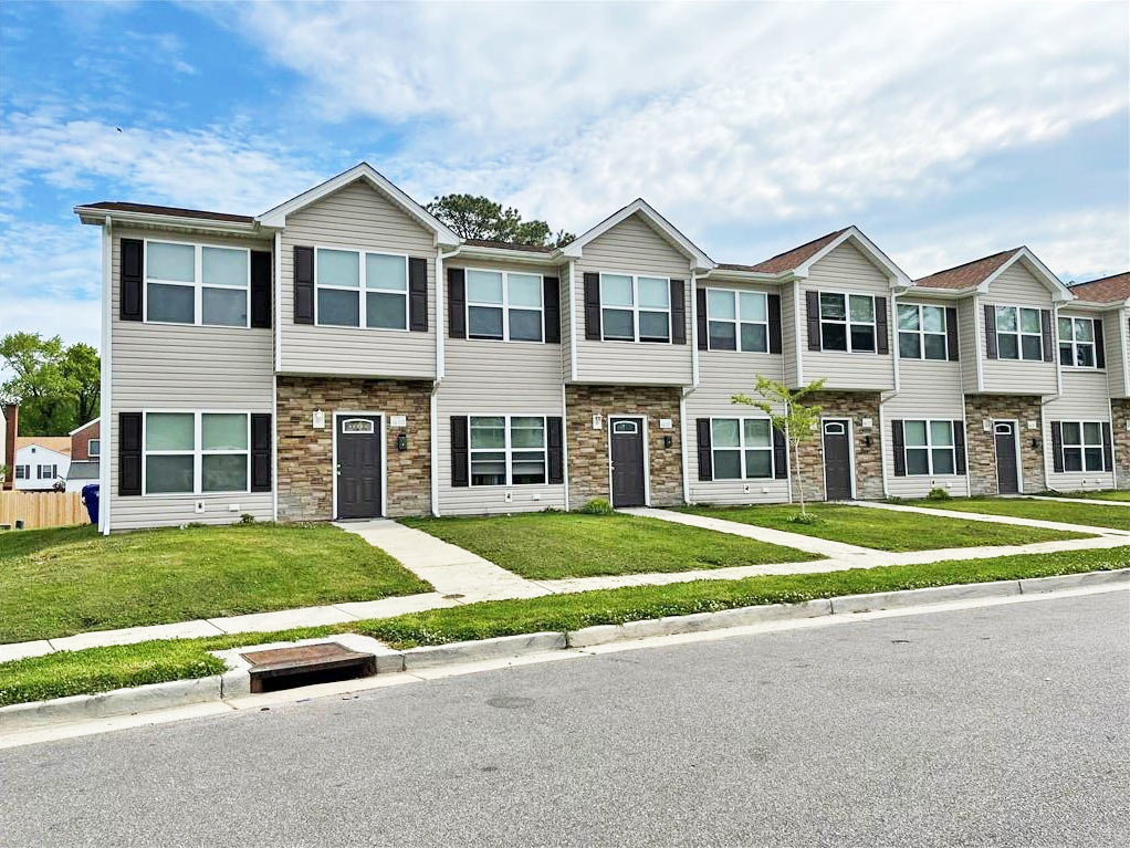 Front of multifamily property located at 6600 Pryer Lane, Norfolk, Virginia 23502
