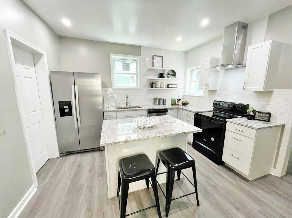 Kitchen of property located at 103 Grayson Court, Suffolk, Virginia 23434