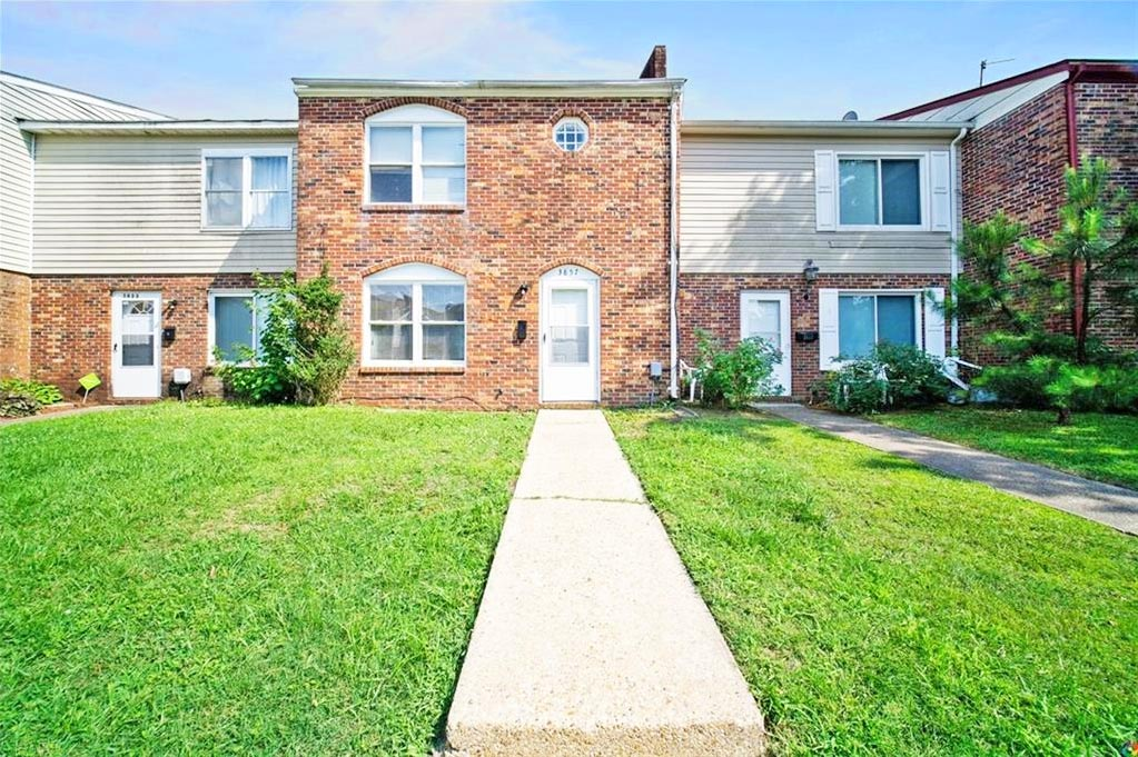 Front of townhouse located at 3857 Schooner Trail, Chesapeake, Virginia 23321