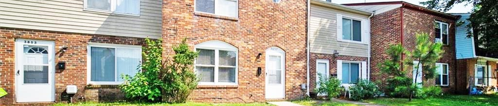 Front of townhomes located at 3857 Schooner Trail, Chesapeake, Virginia 23321
