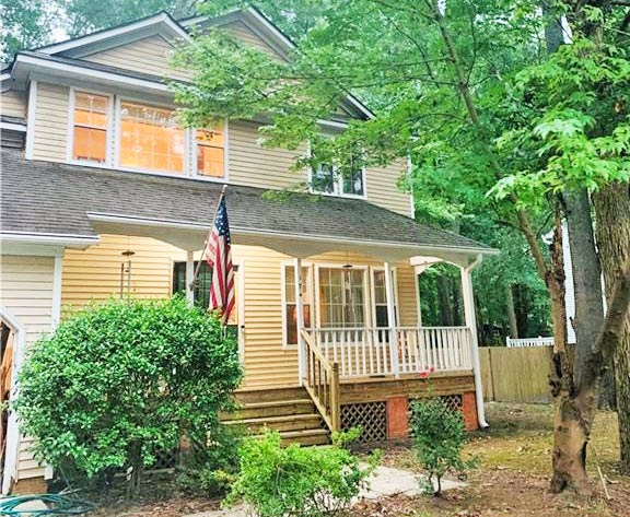 Front of property located at 174 Driftwood Drive, Chesapeake, Virginia 23320