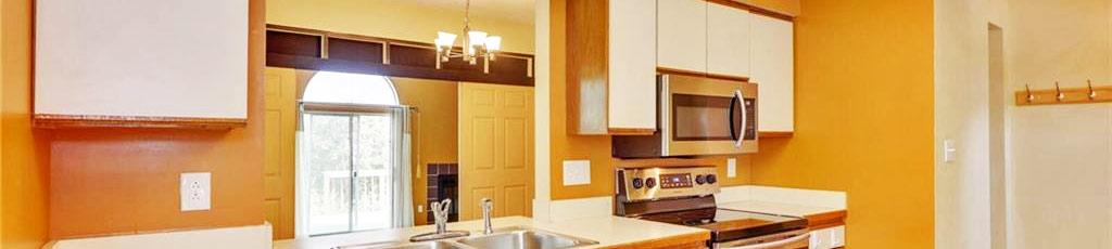 Kitchen in property located at 3672 Essex Pond Quay, Virginia Beach, Virginia 23462