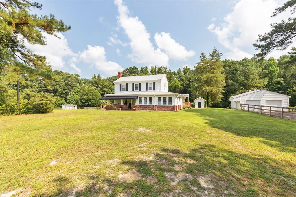 Front of property located at 5140 Holy Neck Road, Suffolk, Virginia 23437