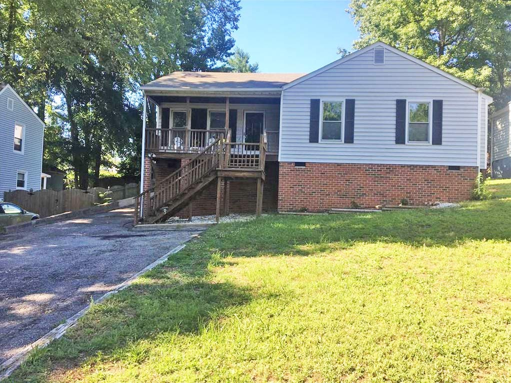 Front of property located at 322 Lakeside Boulevard, Richmond, Virginia 23227