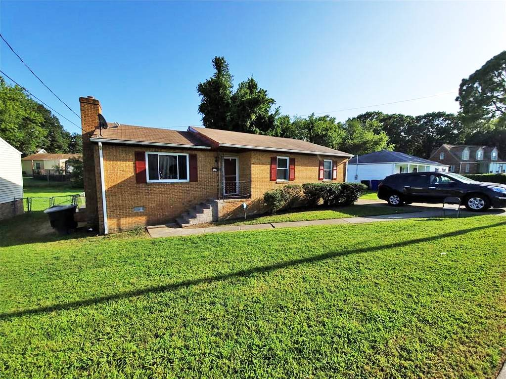Front of property located at 951 Philpotts Road, Norfolk, VA 23513