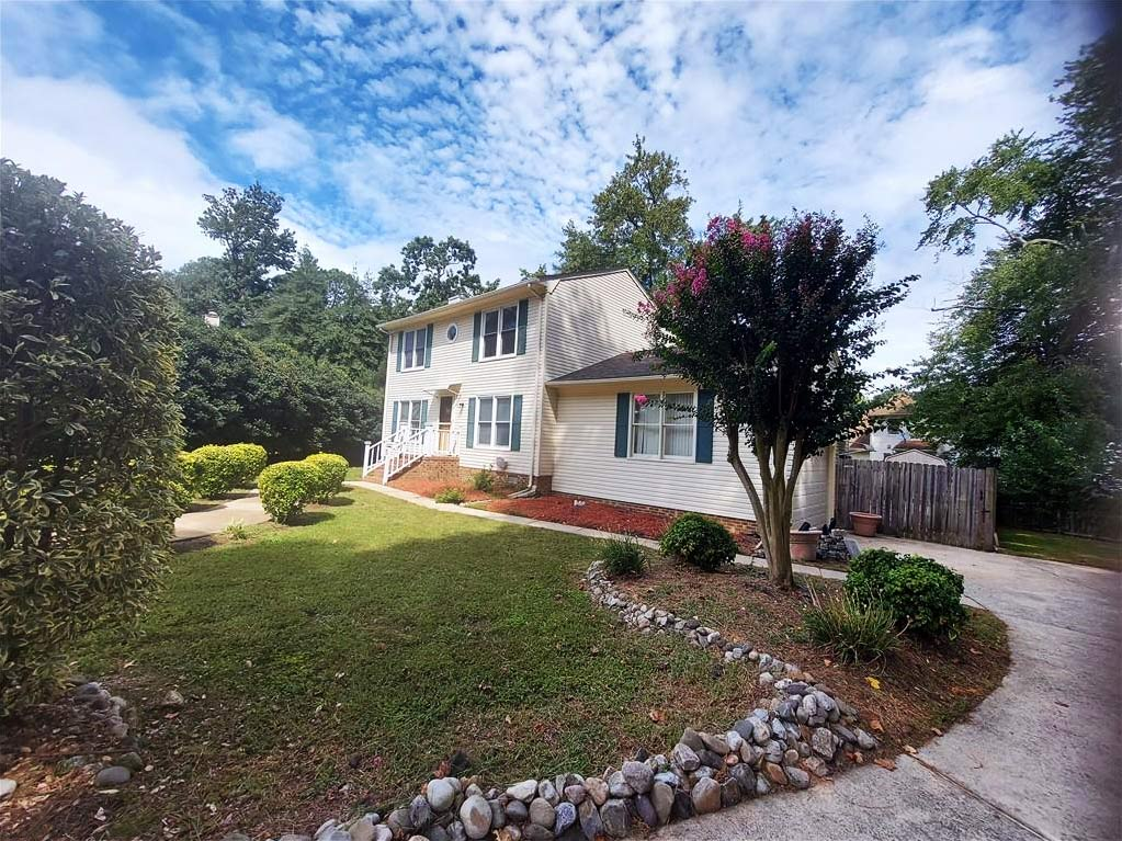 Front of property located at 5 Sunset Court, Portsmouth, Virginia 23703